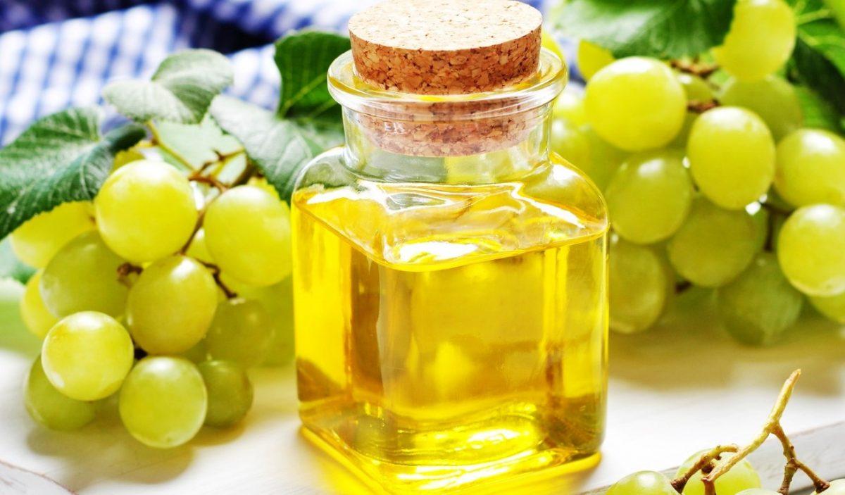 Масло виноградной косточки – польза для волос