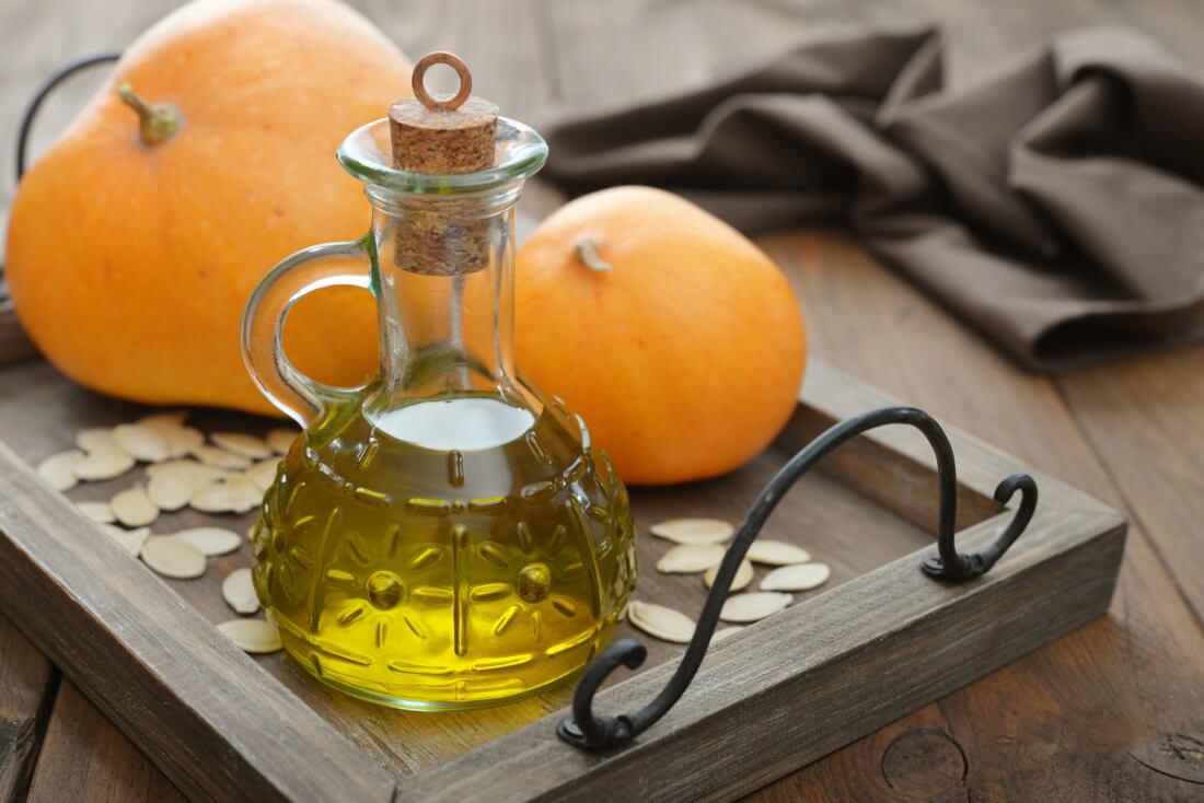 Полезные свойства масла тыквенных семян и как его применять
